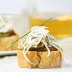 Pinchos de angulas con salsa holandesa