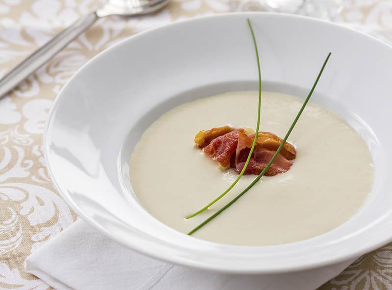 Vichyssoise, receta fácil para una elegante sopa de verano