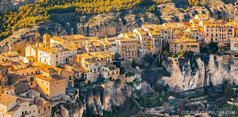Cuenca: magia, misterio y una gastronomía envidiable