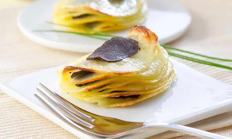 Milhojas de patata con trufa