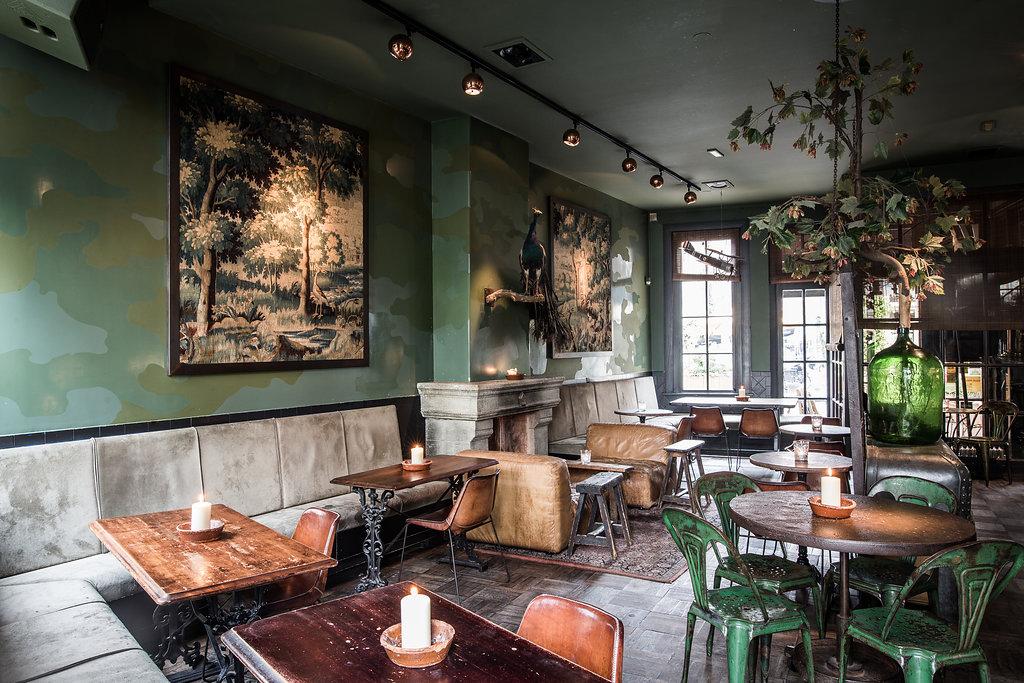 Salón comedor del restaurante Lion Noir