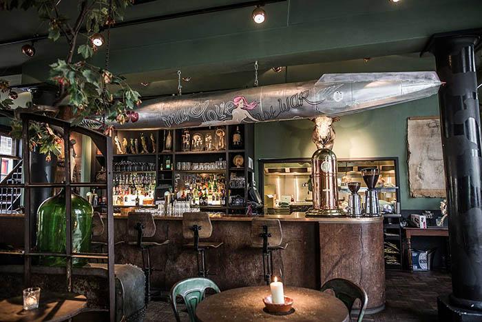 Decoración: Restaurante Lion Noir en Ámsterdam, excéntrico y ecléctico